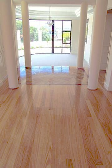 Tassie Oak Floor With Inlay